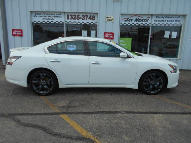 2014 WHITE NISSAN MAXIMA SV SPORT (1N4AA5AP3EC) with an 3.5L engine, Automatic transmission, located at 501 E. Columbia St., Springfield, OH, 45503, (800) 262-7122, 39.925262, -83.801796 - Photo #0